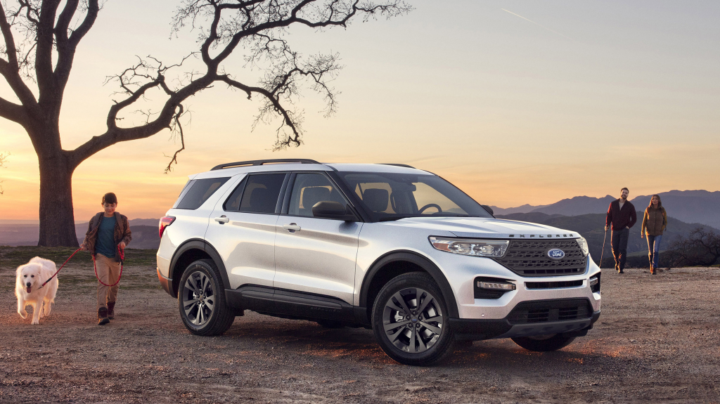 2021 Ford Explorer XLT Pictures